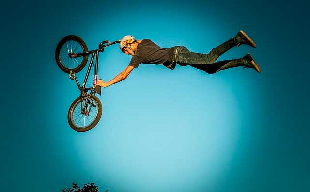 Learn the basic tricks of BMX